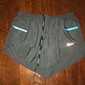NIKE DRIFIT athletic shorts L